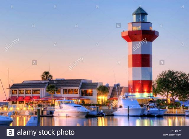 the-famous-harbour-town-lighthouse-at-dusk-on-hilton-head-island-south-c14thy
