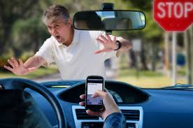 Should Cell Phone Makers Be Liable in Distracted Driving Cases ...